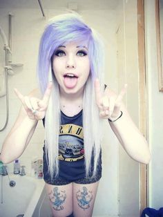 Pastel purple and white hair, colorful hair, hair color, two toned hair colors My Hairstyle, Pretty Hairstyles, Scene Hairstyles, Scene Haircuts, Short Hairstyles, Wedding Hairstyles, Blonde Haircuts, Hairstyle Ideas, Pelo Emo