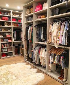 Closet Layout 638244578430654653 - Source by Walk In Closet Design, Bedroom Closet Design, Master Bedroom Closet, Closet Designs, Bedroom Decor, Dressing Room Closet, Dressing Room Design, Closet Renovation, Closet Remodel