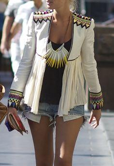 love the jacket boho hippie style fashion statement necklace jeans shorts print jacket jack white Looks Style, Style Me, Daily Style, Look Fashion, Womens Fashion, Fashion Trends, Fashion Bloggers, Hippie Fashion, Nail Fashion