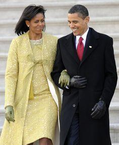 First Lady Michelle Obama and President Barack Obama! Michelle E Barack Obama, Barack Obama Family, Michelle Obama Fashion, Obamas Family, Obama President, Jackie Kennedy, Isabel Toledo, Obama Photos, Presidente Obama