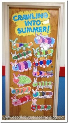 Crawling into Summer Door (directed drawing activity) Possibly an Equations/Expressions Spinoff? Infant Bulletin Board, Summer Bulletin Boards, Birthday Bulletin Boards, Preschool Bulletin Boards, Bullentin Boards, Infant Classroom, Classroom Door, Classroom Borders, Daycare Crafts