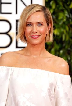Kristen Wiig at the 2015 Golden Globes - Click through to get the hair + makeup breakdown and get her look