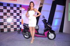 Deepika Padukone Endorse Yamaha Ray