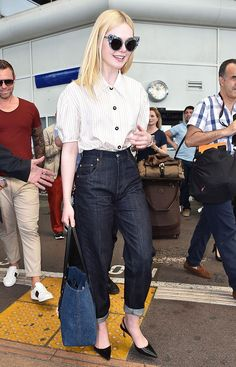 It's official: Elle Fanning is our new summer style icon. Here are eight perfect outfits to copy from the star this season. Elle Fanning, Dakota Fanning, Fashion 2017, Paris Fashion, Spring Fashion, Vogue, Gamine Style, Skinny, Look Chic