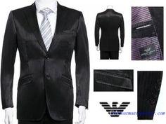 Costume Armani Collezioni Hommes deux Boutons Noir Costume Armani, Costume Noir, Giorgio Armani, Jacket Style, Suit Jacket, Dress Suits, Jackets Online, Winter Dresses, Capsule Wardrobe