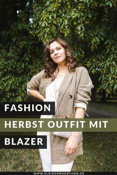 Auf dem Fashion Blog findest du ein Herbst Outfit mit Blazer, Mom-Jeans und Matt
