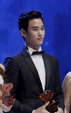 Cosmo Beauty Award 131107 #KimSooHyun #김수현