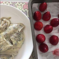 #morango com #brigadeiro branco e #oreo coberto com uma casquinha de #chocolate? Fazemos! #Caspita