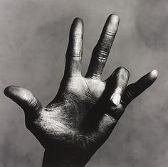 Irving Penn, The hand of Miles Davis, NY 1986