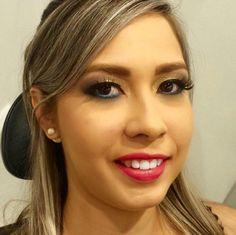 A formanda Larissa Espindola foi maquiada pelo Beauty Team da NYX do Teresina Shopping. Nos olhos, Slide on Pencil Azure e Matte Lipstick Summer Breeze nos lábios