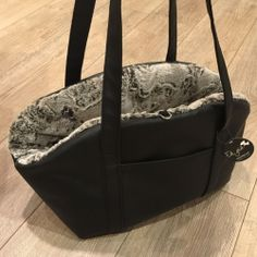Eh Gia Bag Chique and Sportive Black Hondendraagtas