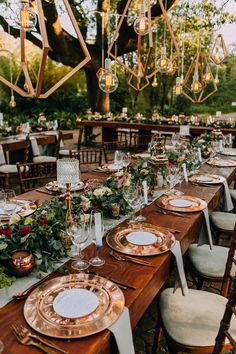 Erin & Stuart - The outdoor lane set up was decorated with golds, fresh flowers and geo shapes. It was the perfect for an unforgettable night!