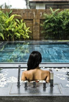 Paradise beaches, luxury spa and delicious healthy food… Our Wellness Travel Expert Claudia reviews all-inclusive spa resort Fusion Maia in Vietnam #TravelReview