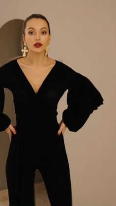 Elegant Outfit, Classy Dress, Black Wedding Guest Outfits, Girl Outfits, Casual Outfits, Summer Jumpsuit, Bio Quotes, Jumpsuit Pattern, Dressy Dresses