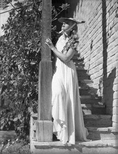 Tamara Lempicka, Art Deco Artists, Chrysler Building, Cubism, Grand Hotel, Famous Artists, Art Deco Fashion, American Art, Art History
