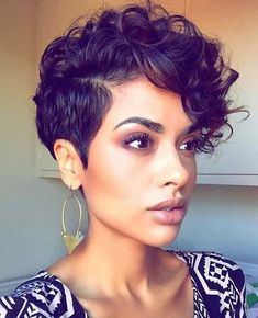 10 Pixie Cut Styles You Should Try Right Now! (Cutest Styles) 10 Pixie Cut Styles You Should Try Rig Curly Pixie Haircuts, Curly Pixie Cuts, Pixie Cut Styles, Short Hair Styles For Round Faces, Curly Hair Styles, Natural Hair Styles, Curly Short, Short Curls, Short Styles