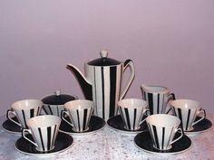 UNIKAT PIIĘKNY SERWIS PICASSO LATA 60-TE CHODZIEŻ Art Deco, Coffee Set, Teapots, Picasso, Ceramic Art, Cup And Saucer, Kitsch, Teak, Tea Time
