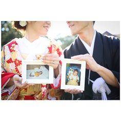 * 絶対撮りたかった写真…♡ カメラマンさん、指輪がちゃんと見えるように指示してくれて、おかげでばっちり写ってていい感じ😍 今日は招待状返信ハガキ第1号が届きました♡ 中高時代のお友達でした。嬉しいな♡ #結婚式準備#プレ花嫁#wedding#前撮り#和装前撮り#色打掛#2016swd Second Weddings, Pride And Prejudice, People Of The World, My Dream, Wedding Photos, Marriage, Polaroid Film, In This Moment, Cute
