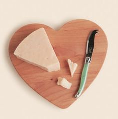 i heart you cheese board http://rstyle.me/n/imhpsr9te