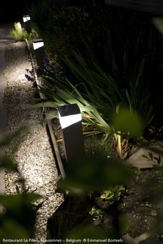 To those who take care of their garden all year long, to lovers of nature : of course you enjoy it at night, don't you ? Here is the #Tetragono outdoor lighting that comes in floor and wall luminaires ► http://bit.ly/TETRAGONO #design Ernesto Gismondi