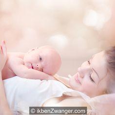 Tijdens ons eerste bezoek aan de #verloskundige  was een van de vragen: wil je #thuis  of in het #ziekenhuis  #bevallen ? Voor mij was het antwoord meteen duidelijk. Als je je eerste #kind  verwacht, kan die keuze nog een stuk moeilijker zijn. Je hebt tenslotte nog geen idee wat bevallen nu precies is. En sowieso heb je het nooit helemaal zelf in de hand. Lees over mijn ervaring met de thuis en ziekenhuis bevalling.  http://www.ikbenzwanger.com/thuis-of-in-ziekenhuis-bevallen