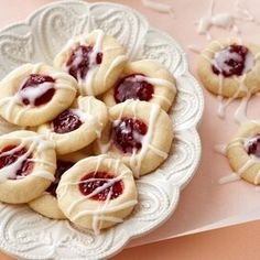 raspberry-almond-shortbread-cookies-RU190565 Sour Cream Donut, Donut Hole Recipe, Powdered Sugar Icing, Madeleine Recipe, Almond Shortbread Cookies, Sugar Glaze, Red Raspberry, Thumbprint Cookies, Christmas Treats