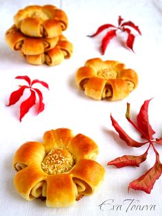 "Bread buns ""Flowers for Mom"""