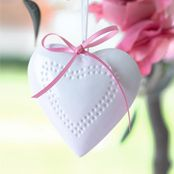 Hanging heart Wedding Planning, Wedding Ideas, Hanging Hearts, Diy Dress, Unique Weddings, How To Memorize Things, Wedding Decorations, Room Decor, Make It Yourself