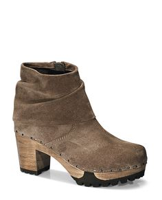 OLINA Bailey brown #softclox #soft #clogs #munich #muc #OLINABailey #brown #autumn #fall #shoes #fallshoes #fallfavorites #veloursleather #woddensole