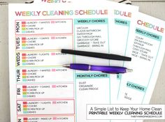 A Simple List to Keep Your Home Clean: Printable Weekly Cleaning Schedule from wwwthirtyhandmadedays.com