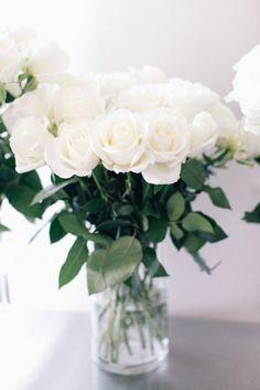 black + white wedding inspiration   wedding flowers   white roses   via: zsazsa bellagio