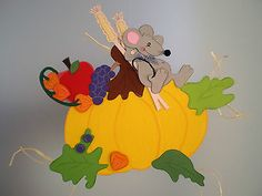 Fensterbild Maus bei der Ruhepause  -Sommer-Herbst- Dekoration - Tonkarton! Fall Crafts, Diy And Crafts, Crafts For Kids, Diy Paper, Paper Crafts, Felt Templates, Autumn Activities, Felt Diy, Creative Kids