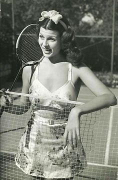 Rita Hayworth, c. 1939 tennis outfit sports wear war era wwII play suit playsuit novelty print satin 2 piece fashion style pin up girl photo print ad model movie star Golden Age Of Hollywood, Vintage Hollywood, Hollywood Glamour, Hollywood Stars, Classic Hollywood, Hollywood Divas, Hollywood Icons, Rita Hayworth, Badminton