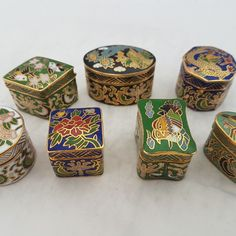 SEVEN Vintage Mini Trinket Box Cloisonné Gold Enamel Brass, pillboxes,Vintage Set of  Miniature Hinged Cloisonné Brass Enamel Keepsake boxes