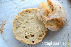Bułki wiejskie. Prawdziwe bułki pszenno-żytnie. Dodatek jasnej mąki żytniej stanowi jedynie niecałe 30% i powoduje, że bułki stają się lekko szare i wyraźniejsze w smaku, niż jasne bułki pszenne. Same bułki są pyszne, mocno chrupiące, o zwartym miąższu (a nie – nadmuchanym do granic możliwości). Ich nieregularna forma jest zamierzona, chciałam upiec je na kształt […]