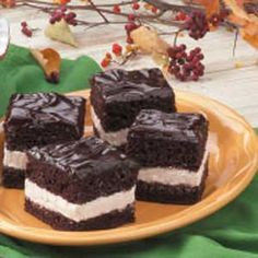 Chocolate cream cake recipe. These look DELICIOUS -- like a homemade Suzy-Q.
