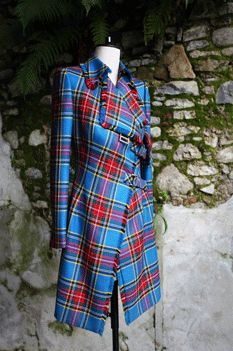 Macbeth Tartan Signature Trenchcoat - Macbeth Tartan Signature Trenchcoat Source by - Tartan Dress, Tartan Plaid, Plaid Coat, Fashion Mode, Womens Fashion, Emo Fashion, Gothic Fashion, Beautiful Outfits, Cool Outfits