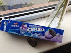Ice cream flavour Oreo cookies - designed to taste cold!
