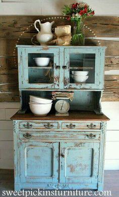 I have a hutch like this. I prefer this color to the color of blue on… painting on furniture awesome {Antique Hutch} – super distressed! Farmhouse Furniture, Shabby Chic Furniture, Rustic Furniture, Vintage Furniture, Painted Furniture, Home Furniture, Furniture Ideas, Modern Furniture, Refinished Furniture