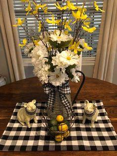 Lemon and buffalo plaid Lemon Kitchen Decor, Farmhouse Kitchen Decor, Cottage Farmhouse, French Cottage, Country Decor, Rustic Decor, Sunflower Kitchen, Plaid Decor, Mellow Yellow