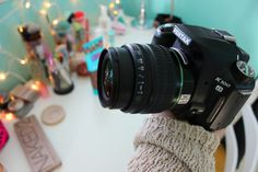 fanqirlingwbu:I love this photo bc you can see the lights in the lens and yaa this is my old camera and its what all of my most famous tumblr photos were taken on aw c:Quality ig // jordywut