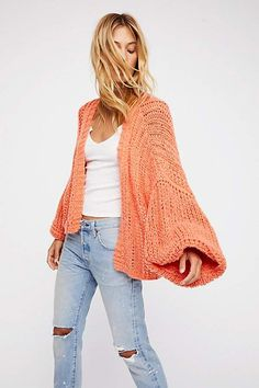 Chamomile Cardi at Free People Clothing Boutique (Fitness Femme Inspiration) Boutique Fitness, Free People Sale, Cute Cardigans, Sweaters, Warm Outfits, Summer Outfits, Cardigan Fashion, Mode Inspiration, Fashion Inspiration