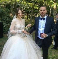 I tried on Jesinta Campbell's Vera Wang wedding dress: This is what happened.