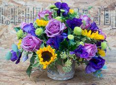 Centro de flores - 50 euros www.lafuentefloristas.es #lafuentefloristas #flores #floristeria #espaciofloral #santander #igollo #cantabria #alegria #bodas #felicidad #ramo #bouquet #centro http://www.lafuentefloristas.es/categoria-producto/flores/