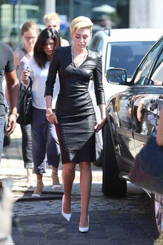 Miley blackout. she looks amazing.