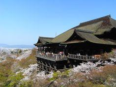 The magnificent Kiyomizu-dera (temple) in Kyoto, Japan