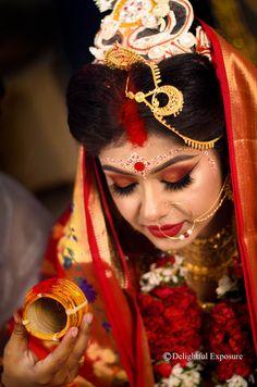 Indian Wedding Makeup, Indian Wedding Bride, Bengali Wedding, Indian Bridal Outfits, Wedding Couples, Wedding Outfits, Bridal Poses, Bridal Portraits, Indian Wedding Photography