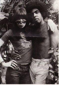 Rita Lee & Gilberto Gil. Veja mais em: http://semioticas1.blogspot.com.br/2012/02/ovelha-negra.html