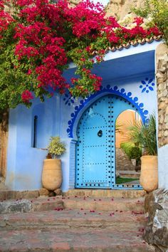Mystical Beauty of Ancient World Morocco – Extreme Anniversary Trip & Tourism Moroccan Interiors, Moroccan Decor, Moroccan Style, Marrakech, Chefchaouen Morocco, Mekka, Islamic Architecture, Bougainvillea, Moorish