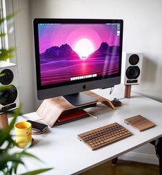 Todays featured desk setup is by @macintoshmatt